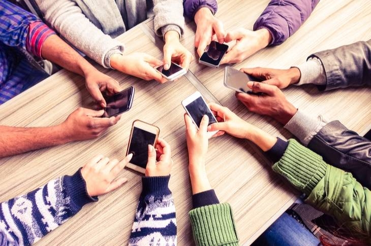 ¿Hay que cambiar de móvil para el 5G? Repasamos su llegada a España