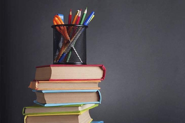 Vuelta al cole: libros de texto gratuitos y subvenciones por comunidades