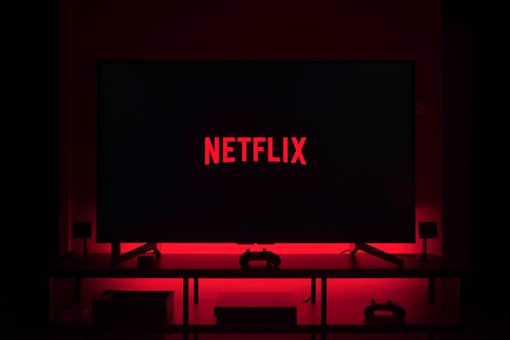 television-netflix-rojo-oscuridad